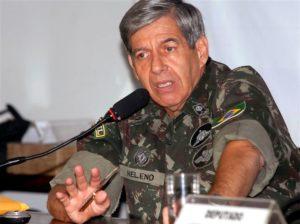 Le commandant d'alors de la Minustah, le général Augusto Heleno