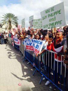 Manifestation d'haïtiens en solidarité à Guy Philippe devant le Federal Building à Miami
