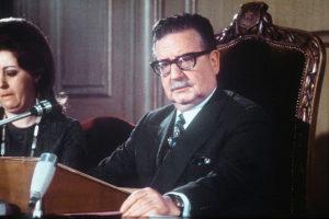 Le Président Chilien Salvador Allende a été déposé à Santiago de ses fonctions par un agent de la CIA, le Général Augusto Pinochet.