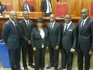 Les nouveaux six sénateurs élus