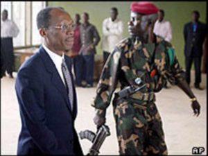 L'arrivée de Jean Bertrand Aristide à Bangui, Centrale Afrique après le coup d'état des Etats-Unis, de la France et du Canada le 29 Février 2004