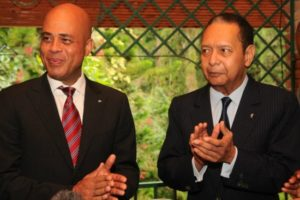 Michel Martelly fait publiquement ce que Jean-Claude Duvalier faisait en privé. Martelly et Jean-Claude: deux « kabrit Tomazo »