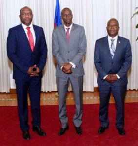 De gauche à droite le président du Sénat Youri Latortue, le président Jovenel Moise et le président de la chambre des deputés Choiseul Chancy