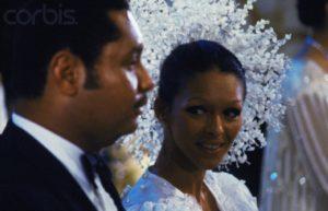 Le mariage de Jean-Claude Duvalier avec sa jouisseuse de femme Michèle avait coûté au peuple au moins $ 5 million (aujourd'hui $ 16 million US ou $ 215 million haïtien ou 1.075.000.000,00 gourdes)
