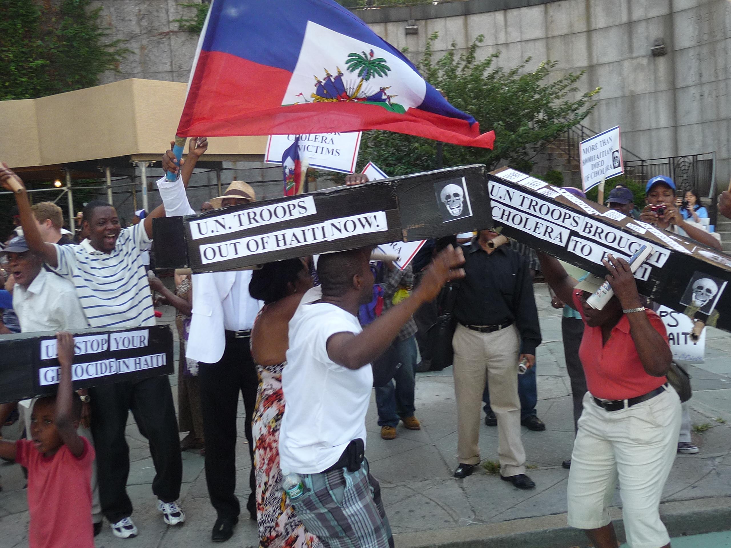 20110805_demo-against-un-occupation-cholera-in-haiti_05