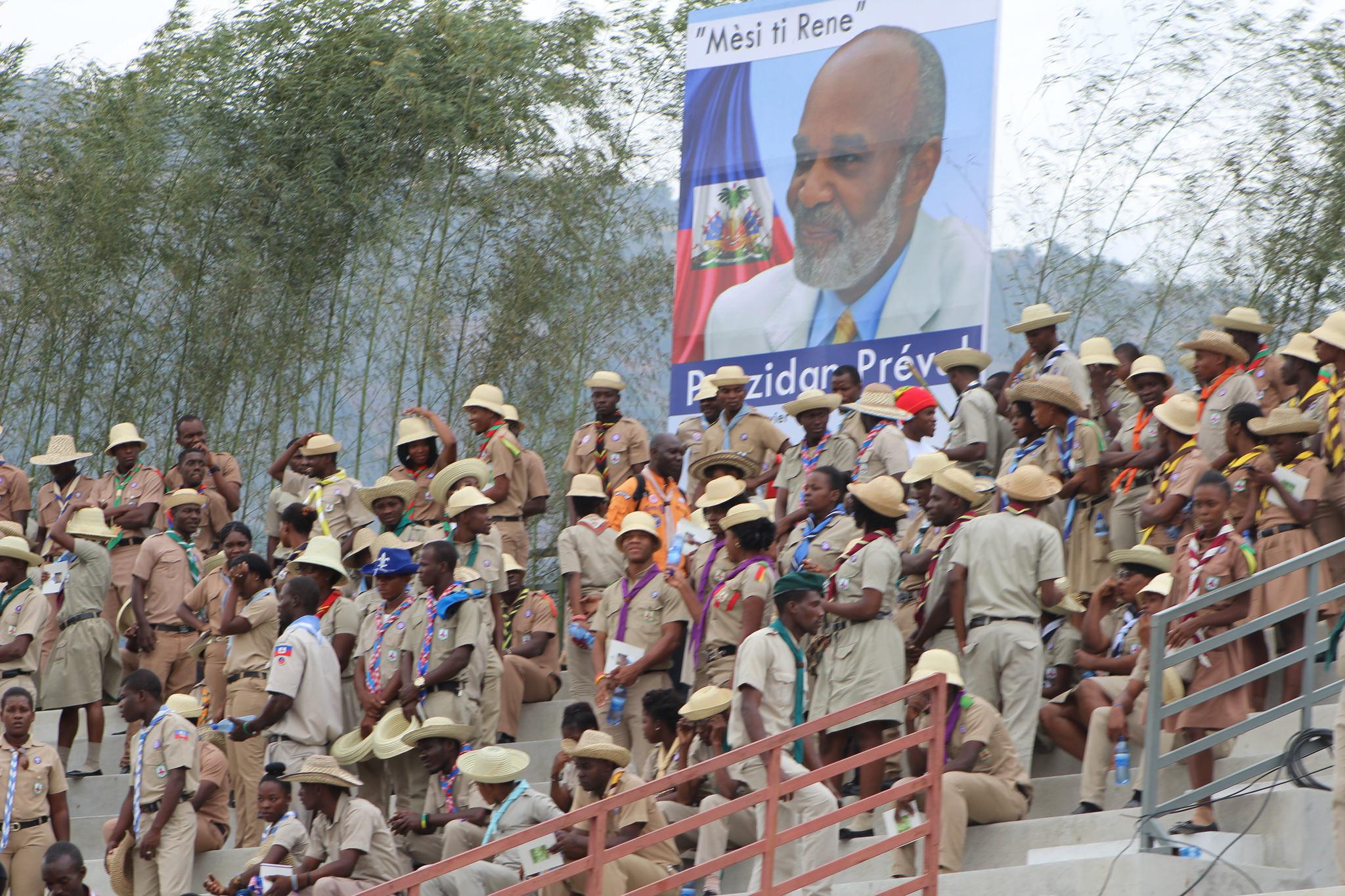 La délégation de scouts aux funérailles le samedi 11 mars 2017. PHOTO: Daniel Tercier/Haïti Liberté