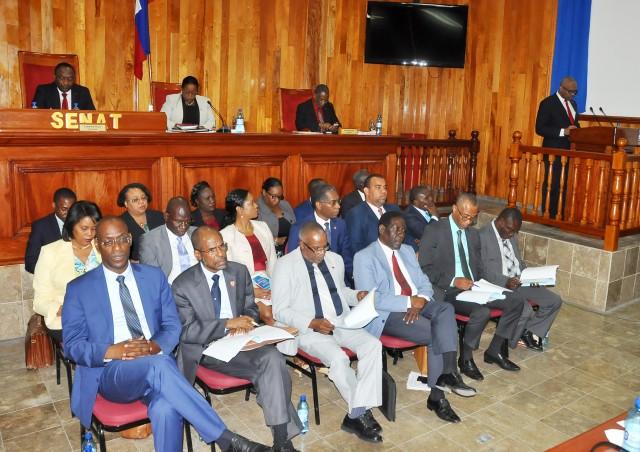 Lafontant et ses ministres au Sénat de la République