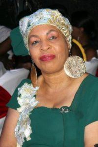 Liliane Pierre-Paul, présentatrice vedette du ''Jounal 4 trè '' à Radio Kiskeya, vilement et violemment attaquée, pendant le carnaval aux Cayes, par «Sweet Micky, ansyen prezidan avadra».