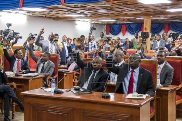 20 Sénateurs ont voté pour 0 contre et 7 abstentions